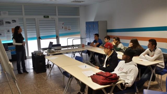 L 39 oficina jove programa un curs de monitor de lleure i un for Oficina seguretat social